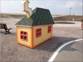 Dětský zahradní domeček 24